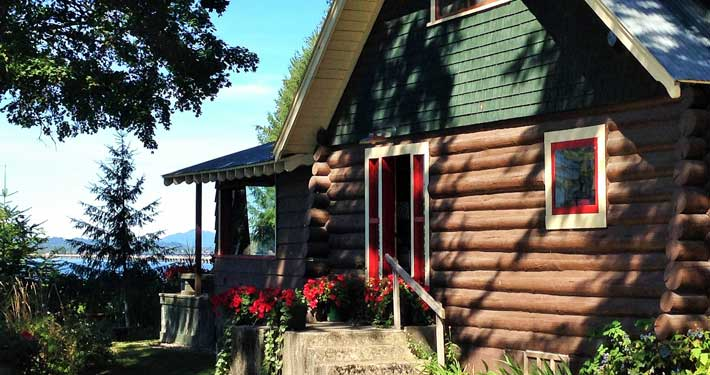 Waterfront Vacation Cabin Rentals in Sandpoint, ID - Lake